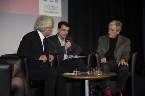 Jean-Louis Horvilleur tire les conclusions de l'enquête IPSOS/La Semaine du Son (de gauche a droite : Christian Hugonnet, J-L Horvilleur , Costa-Gavras)